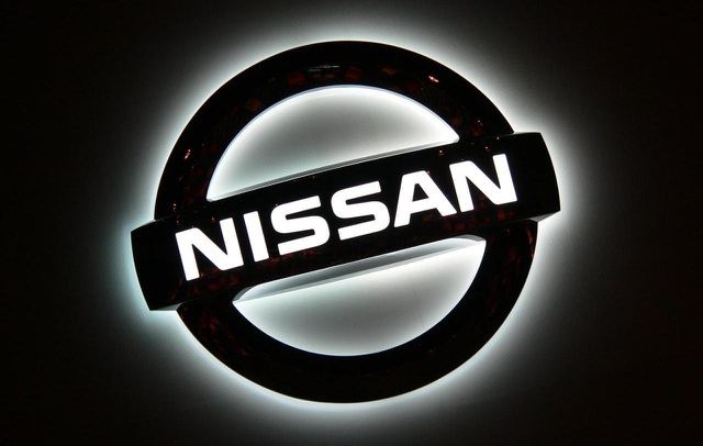 Nissan dồn dập nhận tin dữ - 1