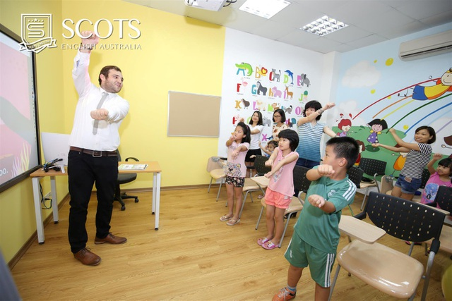 Lớp học tiếng Anh chuẩn quốc tế tại Scots English với giáo viên bản xứ.