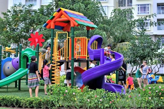 Lượng cư dân chuyển đến Phú Mỹ Hưng tăng từng năm và đây là nơi thu hút nhiều người nước ngoài đến sinh sống