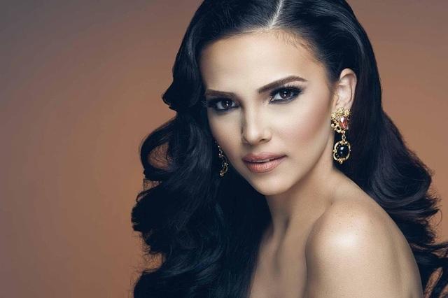 Vazquez là Hoa hậu Siêu quốc gia đầu tiên của Puerto Rico.