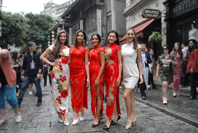 Các người đẹp đã có khoảng thời gian đáng nhớ tại Trung Quốc
