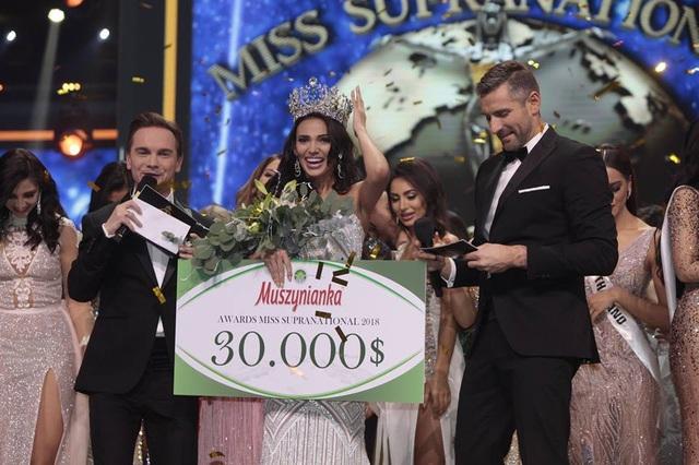 Người đẹp Valeria Vazquez tới từ Puerto Rico giành danh hiệu hoa hậu Siêu quốc gia 2018