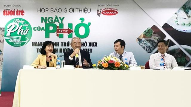 """""""Món ăn lần đầu tiên khi tôi đến Việt Nam năm 1993 là Phở. Kể từ đó, tôi yêu Phở Việt"""", ông Kajiwara Junichi – TGĐ Acecook Việt Nam chia sẻ"""