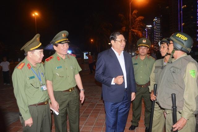 Chủ tịch UBND TP Đà Nẵng cùng lãnh đạo công an TP kiểm tra công tác tổ chức tuần tra phòng, chống tội phạm vào ngày 3/12 vừa qua