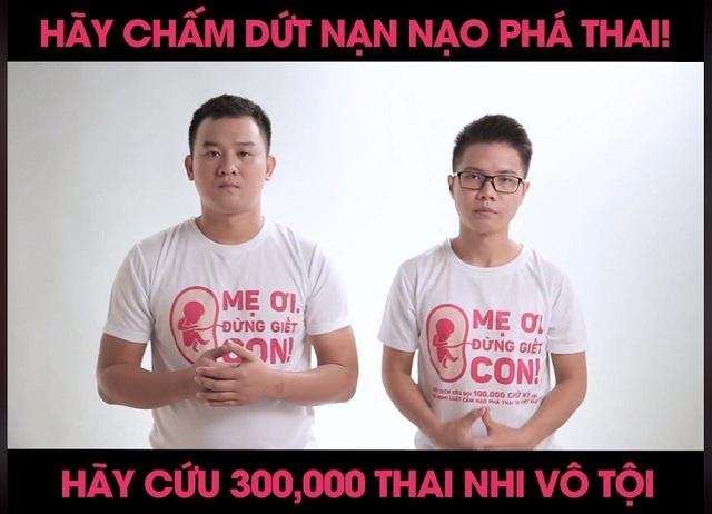 """Hai chàng trai Hoàng Thạch và Huỳnh Hà phát động chiến dịch """"Mẹ ơi đừng giết con"""" (Ảnh chụp màn hình)"""