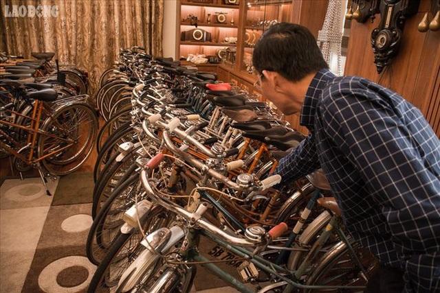 Dàn xe đạp cổ nhãn hiệu Peugeot, với tổng số 108 chiếc nằm trong bộ sưu tập xe đạp của ông Đào Xuân Tình (quận Long Biên, Hà Nội).