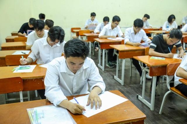 Thí sinh dự thi tốt nghiệp THPT quốc gia 2018 tại Hà Nội. (Ảnh: Quang Vinh)