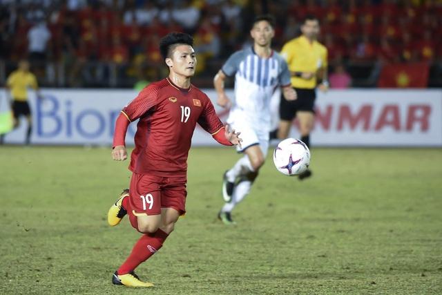 Quang Hải, Văn Hậu tranh giải Cầu thủ xuất sắc nhất bán kết AFF Cup 2018 - 2