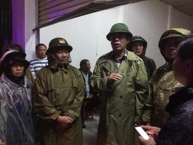 Ông Nguyễn Đức Chính, Chủ tịch UBND tỉnh Quảng Trị có mặt ở hiện trường chỉ đạo tìm kiếm.