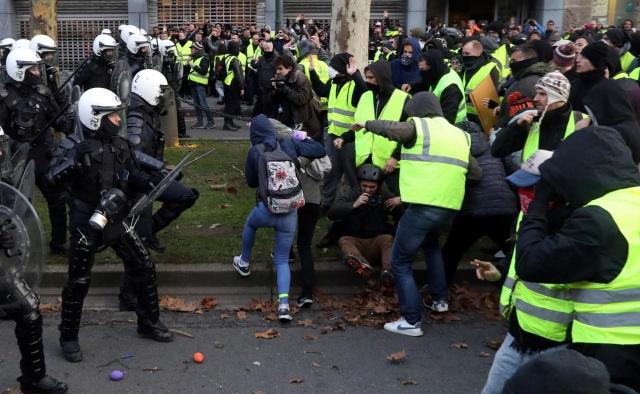 Cuộc biểu tình lấy cảm hứng từ phong trào Áo vàng của Pháp đã lan sang Bỉ (Ảnh: Reuters)