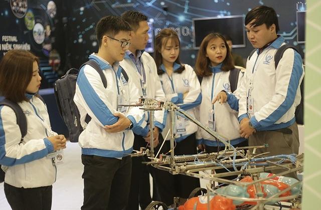 690 đại biểu sinh viên ưu tú đã về Hà Nội để tham dự đại hội
