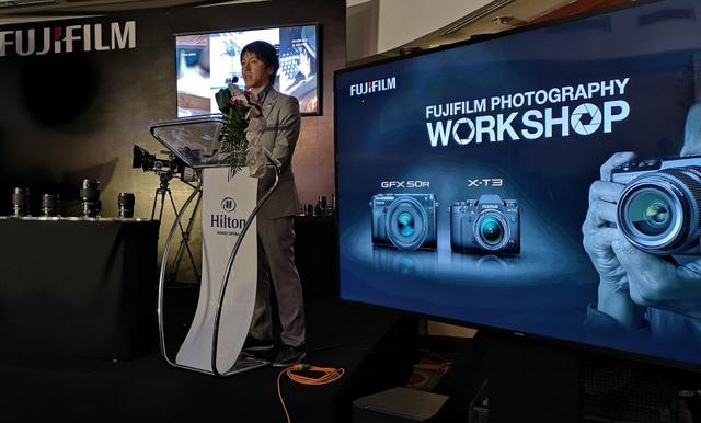 Fujifilm tổ chức buổi giới thiệu và trải nghiệm mẫu máy ảnh không gương lật GFX 50R mới ra mắt của hãng tại Hà Nội.