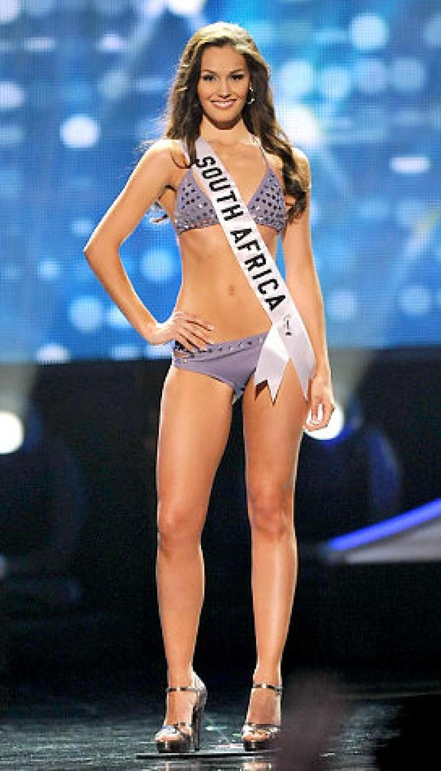 Hoa hậu Nam Phi - Nicole Flint - lọt vào top 10
