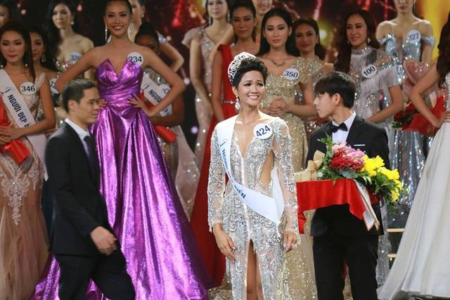 H'Hen Nie đăng quang Hoa hậu Hoàn vũ Việt Nam 2017 - 5