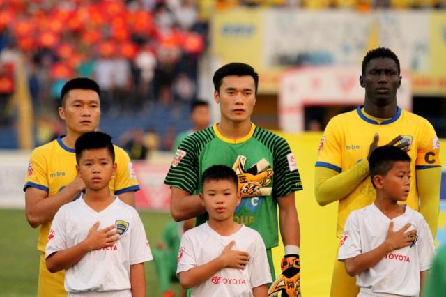 Tiến Dũng ngày càng vững vàng trong khung gỗ CLB Thanh Hóa lẫn U23 Việt Nam