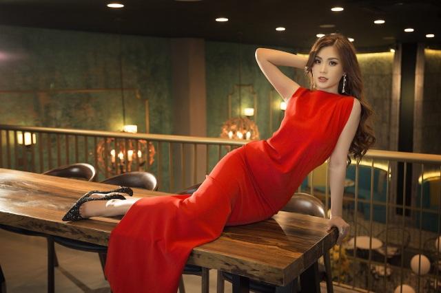 Á hậu Diễm Trang hở bạo khoe 3 vòng, xứng danh mỹ nhân mới của VTV - 13