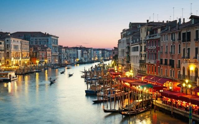 Thành Venice và nhiều địa danh nổi tiếng khác đứng trước nguy cơ biến mất vĩnh viễn - 1