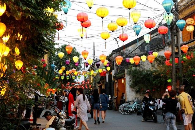 """Thành phố """"Venice của Việt Nam"""" ngập tràn sắc xuân, ánh lên niềm tin và hy vọng cho năm mới an khang, hạnh phúc"""