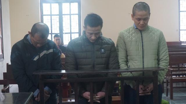 3 đối tượng Lê Thành Lộc, Trần Anh Linh, Nguyễn Xuân Tam tại phiên xét xử lưu động