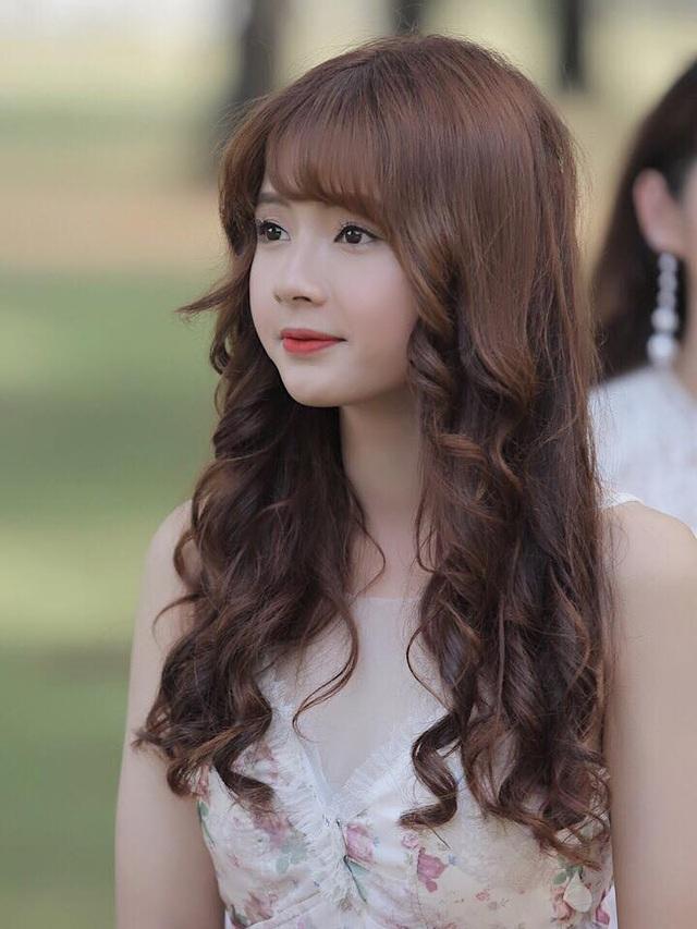 Hot girl xinh đẹp gửi lời chúc Tết độc giả báo Dân trí - 4
