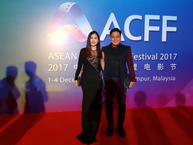 Trước đó, vợ chồng Minh Tiệp còn được mời tham dự Liên hoan phim châu Á ACFF tại Malaysia.