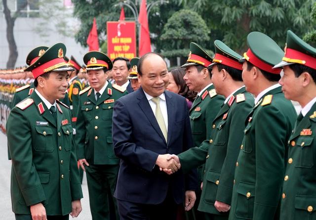 Thủ tướng thăm, kiểm tra công tác ứng trực Tết tại Bộ Tư lệnh Thủ đô