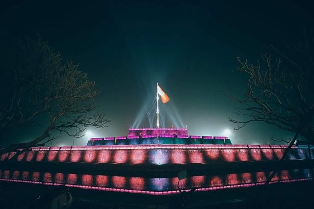 Thắp sáng nghệ thuật Kỳ Đài trước quảng trường Ngọ Môn - 1