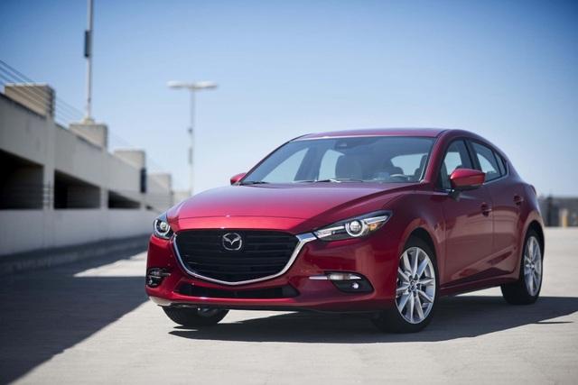 7. Mazda3 (doanh số: 396.552 xe)