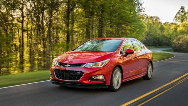 8. Chevrolet Cruze (doanh số: 337.853 xe) Đây là mẫu xe có doanh số sụt giảm mạnh nhất trong Top 10, với mức giảm 24,3%, nhưng thứ hạng chỉ giảm một bậc so với năm 2016.