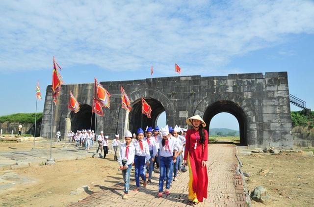 Trong 3 ngày từ 30 - mùng 2 Tết, Thành Nhà Hồ mở cửa miễn phí cho du khách tham quan