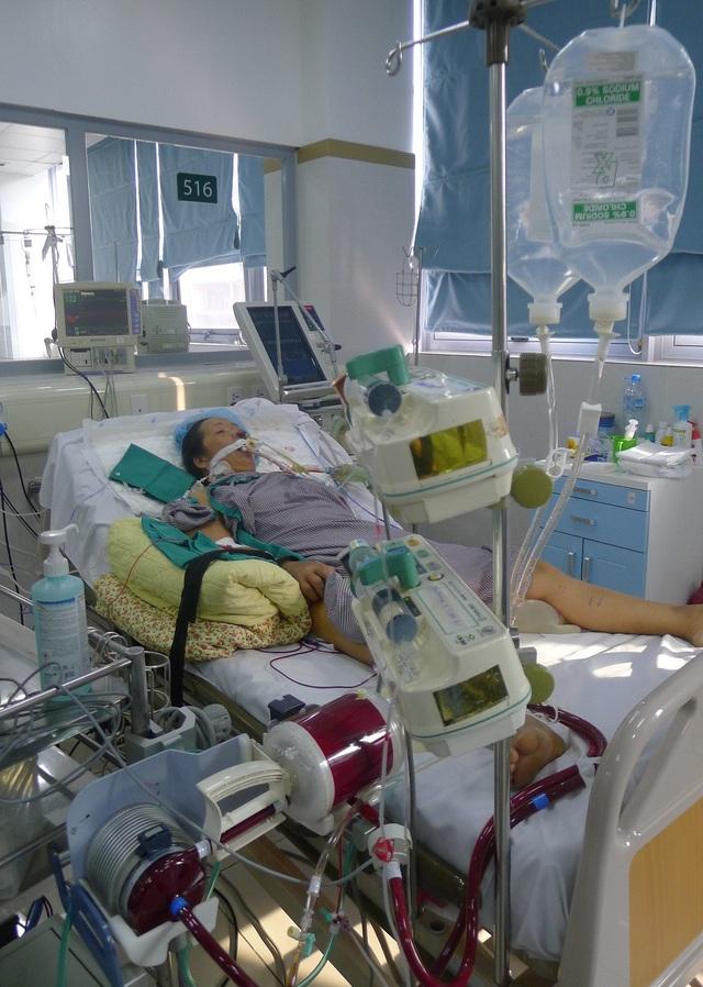 Từ những dấu hiệu thông thường của việc cảm cúm, chị Khuyên được chẩn đoán bị viêm cơ tim trong tình cảnh nguy kịch.