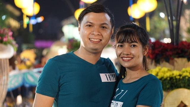 Cặp đôi của bạn Đỗ Thanh Tâm tranh thủ ra phố đi bộ đón tết và đón lễ tình nhân sớm