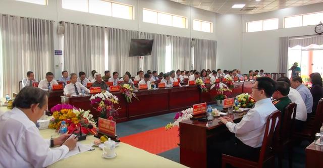 Các sở ban ngành trung ương và địa phương cũng có mặt đông đủ tại buổi gặp gỡ