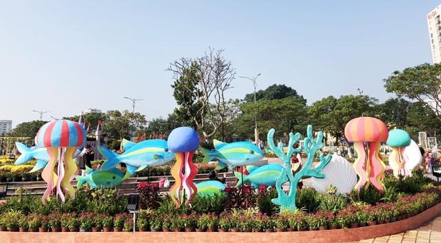 Thiết kế tổng thể đường hoa Tết của Đà Nẵng năm nay được nhiều người chia sẻ cảm nhận đẹp hơn mọi năm