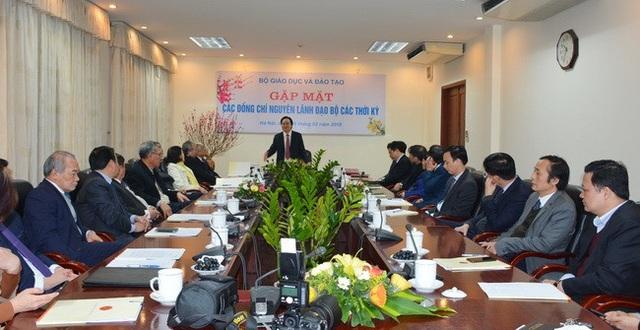 Bộ Giáo dục gặp mặt các đồng chí nguyên lãnh đạo Bộ các thời kỳ - 1