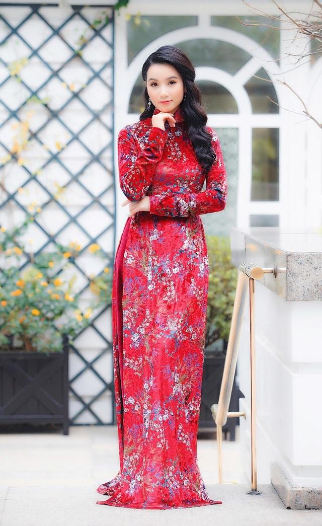 Lương Giang cho biết, trong năm 2018, về công việc chính là giảng viên của trường Đại học Sư phạm Nghệ thuật Trung ương, cô sẽ tiếp tục nâng cao chuyên môn giảng dạy và học nghiên cứu sinh ngành Quản lý Văn hoá. Về lĩnh vực hội hoạ, Lương Giang có kế hoạch sẽ tổ chức một triển lãm tranh vào tháng 10/2018.