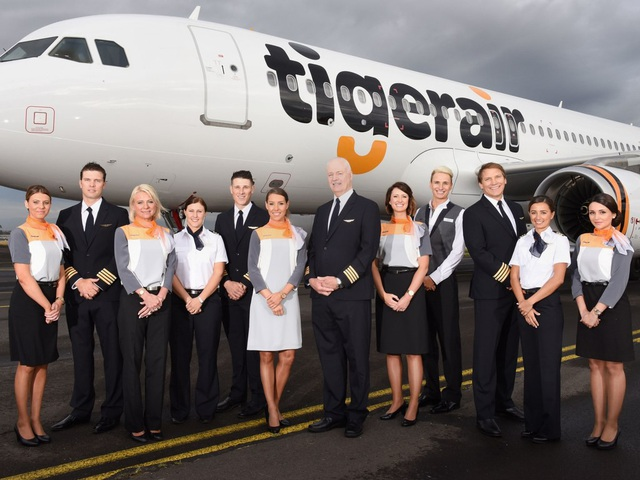 Những hãng hàng không có đồng phục thanh lịch nhất thế giới - 7