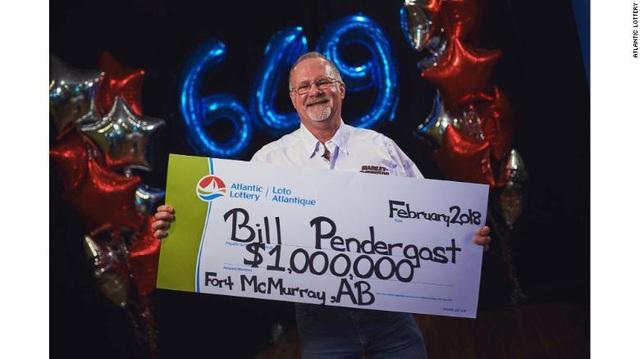 Ông Bill nhận giải thưởng trúng số 1 triệu USD vào hôm 9/2.