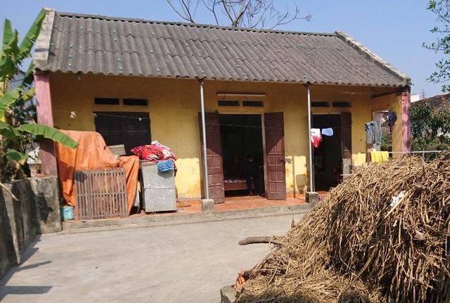 Căn nhà nhỏ trống vắng kể từ khi bố mẹ qua đời, 3 đứa trẻ vơ vơ giữa dòng đời
