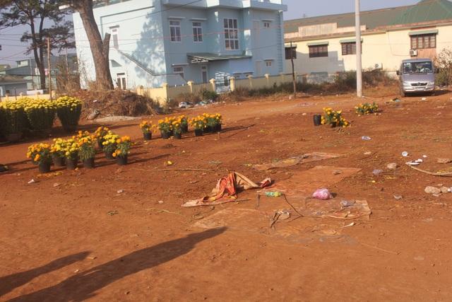 Một số thương lái bán hết hoa và về đón tết cùng gia đình