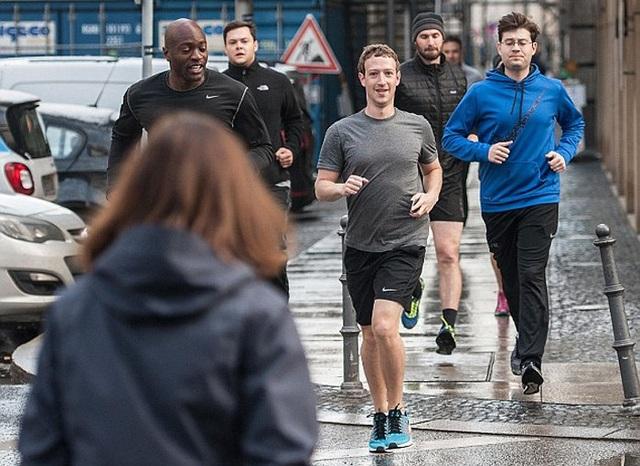 Sếp Facebook chi triệu đô để bảo vệ an ninh