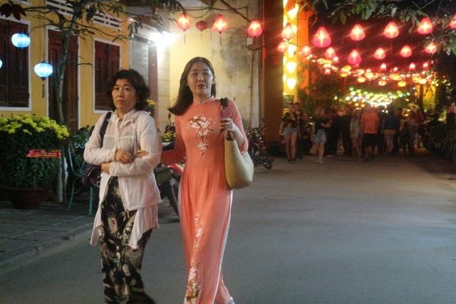 Pháo hoa bừng sáng, người dân cả nước nao nức mừng năm mới - 54