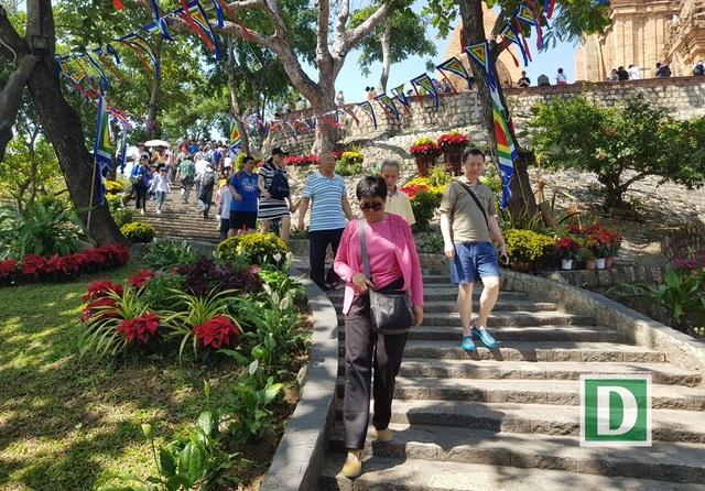 Về Nha Trang thăm Tháp bà, xem múa Chăm ngày Tết Mậu Tuất - 9