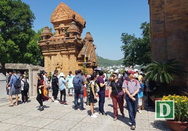 Về Nha Trang thăm Tháp bà, xem múa Chăm ngày Tết Mậu Tuất - 7