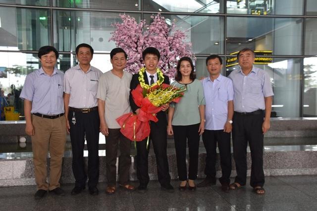Tại kỳ thi Olympic châu Á Thái Bình Dương môn Vật lý lần thứ 18, em Nguyễn Ngọc Long đã được trao Bằng khen