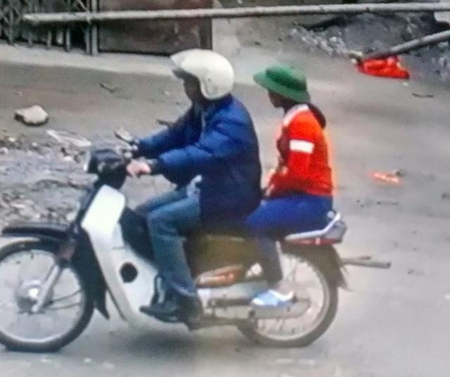 Hình ảnh cháu M. đi cùng xe với người đàn ông lạ mặt ảnh cắt qua camera (ảnh: gia đình cung cấp)