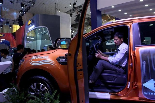 Có khoảng 20% số khách hàng đã không quyết định mua xe trong năm 2017, chờ sang 2018 giá rẻ hơn.