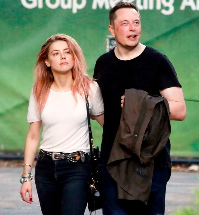 Nữ diễn viên Amber Heard và tỷ phú công nghệ Elon Musk đã nói lời chia tay nhau