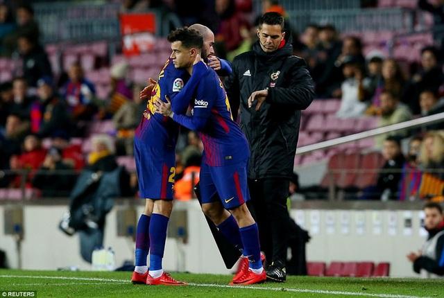 Coutinho tiếp tục được vào sân ở hiệp 2 thay thế cho Aleix Vidal