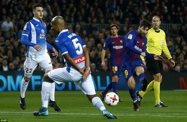 Messi luôn có duy ghi bàn khi đối đầu Espanyol